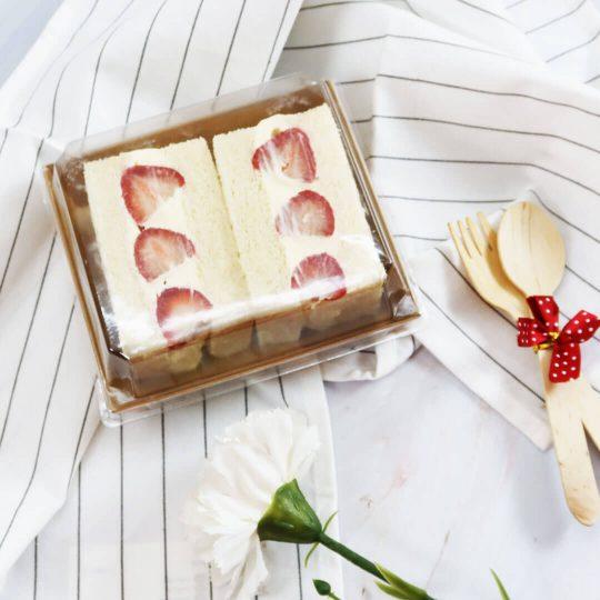กล่องใส่ขนม กล่องซูชิ กล่องเบเกอรี่ ขนาด 500 ml + ฝาปิด